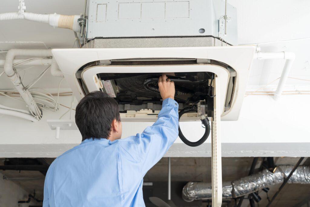 業務用エアコンは手軽に清掃できるものなのか?