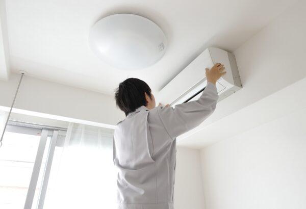 業務用エアコンが故障した!「修理」と「買い替え」のポイントを見極めてコストを抑えよう!